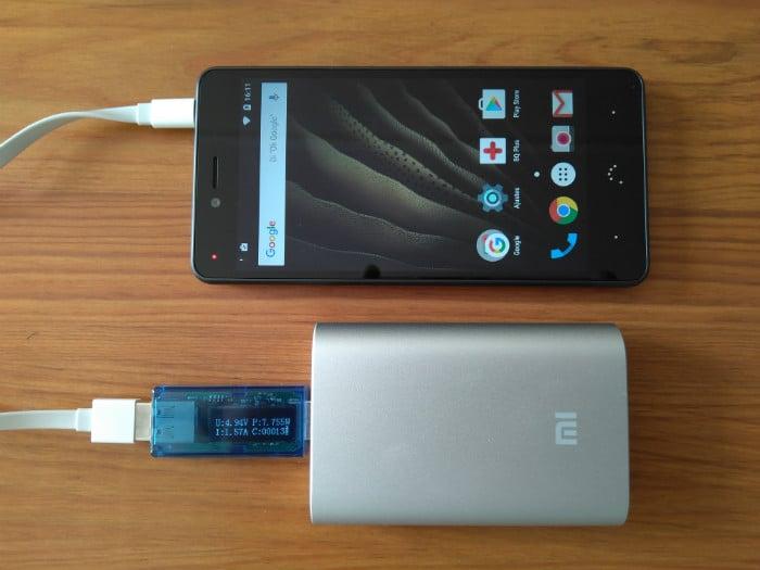 recensione xiaomi powerbank 10000mah ricarica dispositivi