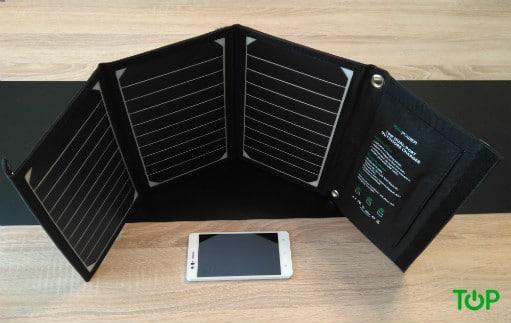 Caricabatterie solare RAVPower pannelli estesi