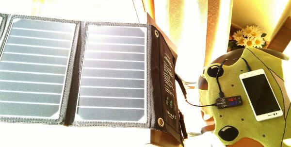 caricatore solare raggi inclinati